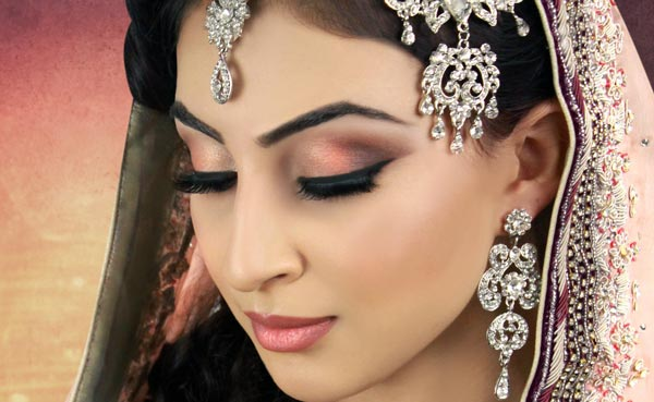 10 Essential Bridal Makeup Tips For A Perfect Wedding Look Charu Khurana